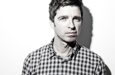 Caro Noel Gallagher, keep calm and stay at home!