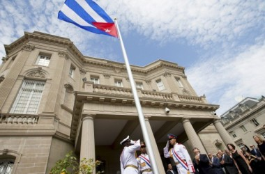 Bandiera cubana sventola a Washington