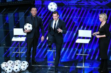 Sanremo: Totti superstar sul palco dell'Ariston