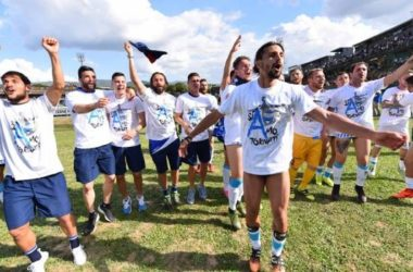 Serie B: Hellas e Spal in A, playoff per il Frosinone