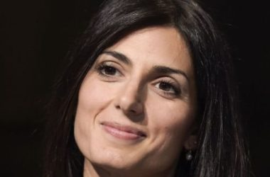 Festa del Cinema 2017, Virginia Raggi raffinata sul red carpet inaugurale